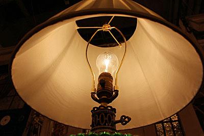 13.5.18.grn.tablelamp3.jpg