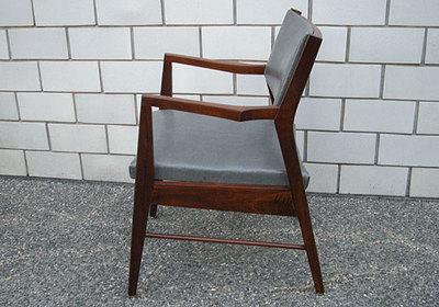 chair.z_l.jpg